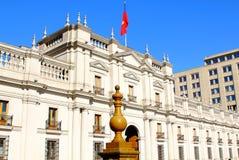 Παλάτι Λα Moneda στο στο κέντρο της πόλης Σαντιάγο, Χιλή στοκ εικόνες