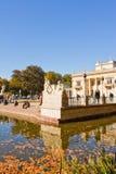 Παλάτι στο νερό ή παλάτι Lazienki στο πάρκο Lazienki (βασιλικό Β Στοκ φωτογραφία με δικαίωμα ελεύθερης χρήσης