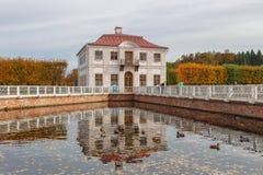 Παλάτι Marley, Peterhof, Αγία Πετρούπολη, καλοκαίρι Στοκ φωτογραφίες με δικαίωμα ελεύθερης χρήσης