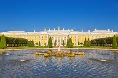 παλάτι peterhof Πετρούπολη ST Στοκ εικόνες με δικαίωμα ελεύθερης χρήσης