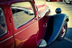 Παλαιά άποψη αυτοκινήτων της Citroen σχετικά με την αριστερή μπροστινή πλευρά Στοκ φωτογραφία με δικαίωμα ελεύθερης χρήσης