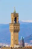 Παλαιά άποψη λεπτομέρειας πύργων κουδουνιών παλατιών, Φλωρεντία Στοκ Φωτογραφίες
