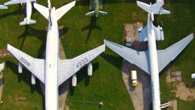 Παλαιά αεροσκάφη στο μουσείο αεροπορίας στο Κίεβο απόθεμα βίντεο