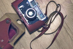 Παλαιά αναδρομική κάμερα στον τρύγο στοκ φωτογραφία με δικαίωμα ελεύθερης χρήσης