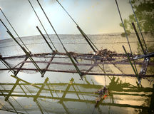 Παλαιά αντανάκλαση γεφυρών για πεζούς Στοκ εικόνες με δικαίωμα ελεύθερης χρήσης