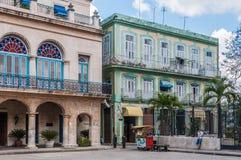 Παλαιά αποικιακά κτήρια σε Plaza Armas, Αβάνα, Κούβα Στοκ φωτογραφίες με δικαίωμα ελεύθερης χρήσης