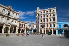 Παλαιά αποικιακά κτήρια στην πλατεία Plaza Vieja, Αβάνα, Κούβα Στοκ εικόνες με δικαίωμα ελεύθερης χρήσης