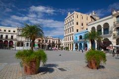 Παλαιά αποικιακά κτήρια στην πλατεία Plaza Vieja, Αβάνα, Κούβα Στοκ Εικόνες