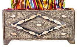 Παλαιά αραβική κασετίνα την υφαντική ταπετσαρία που απομονώνεται με στοκ φωτογραφία με δικαίωμα ελεύθερης χρήσης