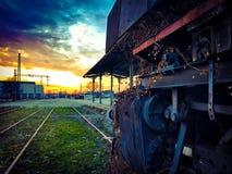 Παλαιά ατμομηχανή ατμού στο σταθμό Στοκ Εικόνες