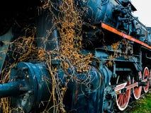 Παλαιά ατμομηχανή ατμού στο σταθμό Στοκ εικόνα με δικαίωμα ελεύθερης χρήσης
