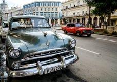 Παλαιά αυτοκίνητα και Capitol στην Αβάνα, Κούβα Στοκ Εικόνα