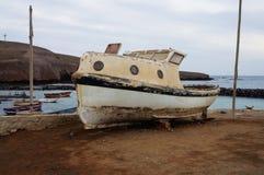Παλαιά βάρκα στην Αφρική Στοκ Φωτογραφίες