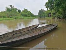 Παλαιά βάρκα στον ποταμό Ταϊλανδός Στοκ φωτογραφία με δικαίωμα ελεύθερης χρήσης
