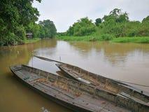 Παλαιά βάρκα στον ποταμό Ταϊλανδός Στοκ εικόνες με δικαίωμα ελεύθερης χρήσης