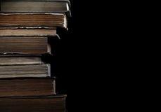 Παλαιά βιβλία στη βιβλιοθήκη Στοκ φωτογραφία με δικαίωμα ελεύθερης χρήσης