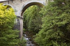 Παλαιά γέφυρα πετρών, Γαλλία Στοκ εικόνες με δικαίωμα ελεύθερης χρήσης
