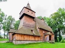 Παλαιά γοτθική ξύλινη εκκλησία στο χωριό Grywald, βουνά Pieniny, Στοκ Εικόνες