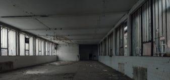Παλαιά εγκαταλειμμένη αποθήκη εμπορευμάτων Στοκ φωτογραφίες με δικαίωμα ελεύθερης χρήσης
