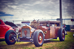 Παλαιά εκλεκτής ποιότητας και παλαιά αυτοκίνητα Στοκ Εικόνες