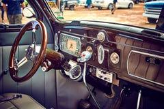 Παλαιά εκλεκτής ποιότητας και παλαιά αυτοκίνητα Στοκ Εικόνα