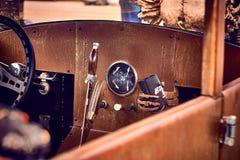 Παλαιά εκλεκτής ποιότητας και παλαιά αυτοκίνητα Στοκ Φωτογραφία