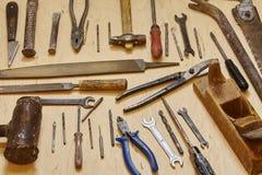 παλαιά εργαλεία ανασκόπησης στοκ εικόνα με δικαίωμα ελεύθερης χρήσης