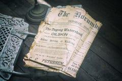 Παλαιά εφημερίδα από τις ημέρες πρωτοπόρων στοκ φωτογραφία