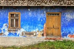 Παλαιά ζωηρόχρωμη πρόσοψη σπιτιών Στοκ Φωτογραφίες