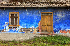 Παλαιά ζωηρόχρωμη πρόσοψη σπιτιών Στοκ φωτογραφία με δικαίωμα ελεύθερης χρήσης