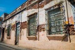 Παλαιά ηλικίας σπίτια, Santa Marta, καραϊβική πόλη στη βόρεια Κολομβία Στοκ Εικόνες