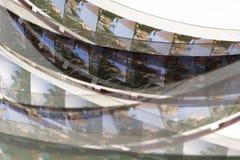 Παλαιά θετική λουρίδα ταινιών 16 χιλ. στο άσπρο υπόβαθρο Στοκ Φωτογραφίες