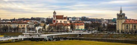 Παλαιά λιθουανική αρχιτεκτονική της πόλης Vilnius Γενική panaromatic τοπ άποψη Στοκ Εικόνες