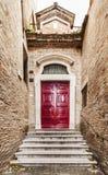 Παλαιά ιταλική μπροστινή πόρτα Στοκ Εικόνες