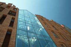 Παλαιά και σύγχρονη αρχιτεκτονική Στοκ Εικόνες