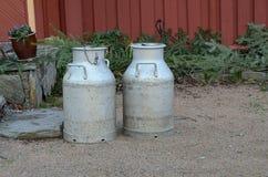 Παλαιά κανάτα γάλακτος Στοκ εικόνες με δικαίωμα ελεύθερης χρήσης
