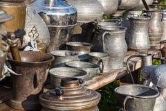 Παλαιά κανάτες και πιάτα Στοκ Εικόνες