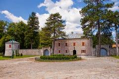 Παλαιά κατοικία πετρών σε Cetinje, Μαυροβούνιο στοκ εικόνα