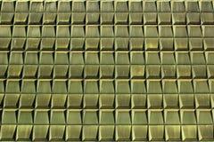 Παλαιά κεραμίδια μετάλλων σε έναν τοίχο ως αναδρομικό υπόβαθρο Πρόσοψη του σοβιετικού μουσείου επαγγέλματος στη Ρήγα, Λετονία Στοκ φωτογραφίες με δικαίωμα ελεύθερης χρήσης