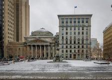Παλαιά κτήρια σε ισχύ δ ` Armes με το χιόνι - Μόντρεαλ, Κεμπέκ, Καναδάς Στοκ εικόνα με δικαίωμα ελεύθερης χρήσης