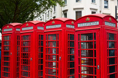 Παλαιά κόκκινα τηλεφωνικά κιβώτια του Λονδίνου Στοκ εικόνα με δικαίωμα ελεύθερης χρήσης
