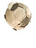 Παλαιά κλασική σφαίρα ποδοσφαίρου και βρώμικο ποδόσφαιρο απομονωμένος σε ένα μόριο Στοκ Εικόνα