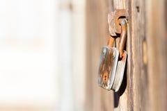 Παλαιά κλειδαριά, παλαιά πόρτα Στοκ Εικόνες