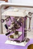 Παλαιά μηχανή καφέ Στοκ φωτογραφίες με δικαίωμα ελεύθερης χρήσης