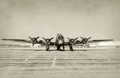 Παλαιά μπροστινή όψη βομβαρδιστικών αεροπλάνων στοκ εικόνες με δικαίωμα ελεύθερης χρήσης