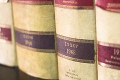 Παλαιά νομικά βιβλία δικηγόρων Στοκ φωτογραφία με δικαίωμα ελεύθερης χρήσης