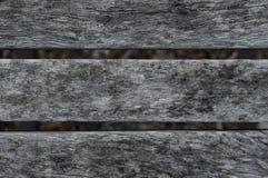 Παλαιά ξεπερασμένη ξύλινη planking σύσταση καρεκλών Ξύλινα slats Στοκ εικόνα με δικαίωμα ελεύθερης χρήσης