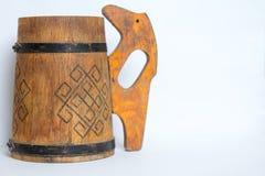 Παλαιά ξύλινη κούπα της μπύρας στοκ φωτογραφία με δικαίωμα ελεύθερης χρήσης