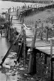 Παλαιά ξύλινη μακριά γέφυρα Στοκ Φωτογραφίες