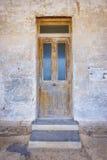 Παλαιά ξύλινη μπροστινή πόρτα Στοκ Εικόνες